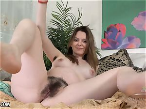 wooly prego Emma Evins has some pubic have fun