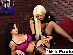 Nikita Von James and clit Jade drill