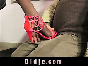 mind-blowing Teeny tempt An older boy With Her perfect soles