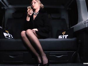 poked IN TRAFFIC - gorgeous Russian woman super-fucking-hot car plumb