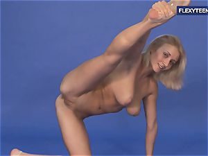 amazing nude gymnastics by Vetrodueva
