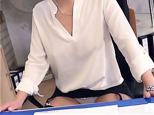 backsides Buero - boss nails German babe at job interview