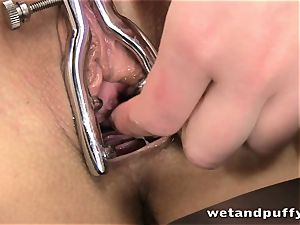 Subil arch special pissing video