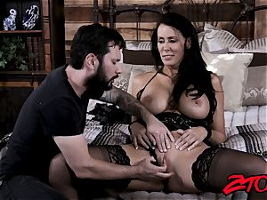 super-sexy milf rails lollipop and tastes cum