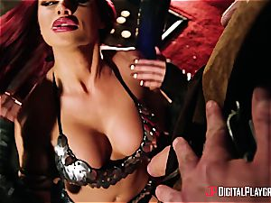Jessa Rhodes gets some barbarian hookup for saving a hero in danger