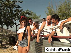 super handsome Keisha gets prepared for her gang-bang