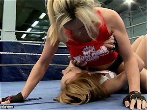 Tanya Tate with steamy honey struggling in the ring