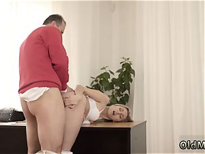 unexperienced ash-blonde bathroom Stranger in a giant building knows how to super-hot you up