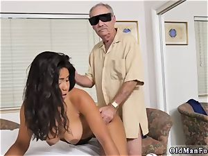 Czech homemade first-timer anal invasion Glenn finishes the job!