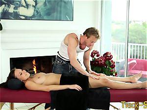lubed babe nails massagist