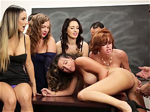 Veronica Avluv shows super-hot women how to squirt