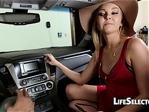 gassy cougar Aaliyah love gives a blow-job in your car