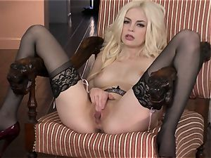 marvelous Bree Daniels luvs teasing her tasty humid hole