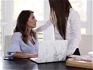 Eva Lovia gives Scarlett Sage an oral check-up
