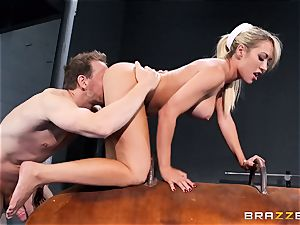 Capri Cavanni finishes her workout with some huge knob
