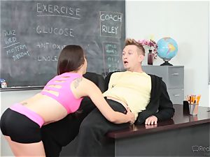 Fit ultra-cutie Ziggy starlet gets super-hot and succulent with the sports coach
