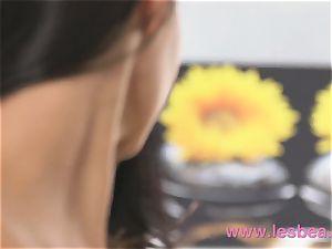 Lesbea red-hot women who enjoy tonguing cootchie