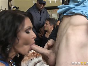 Criminals wifey Jessica Jaymes nailed by a super-steamy cop