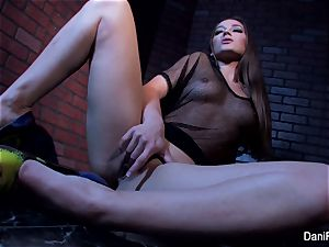 smallish sweetheart Dani Daniels fingers her taut twat