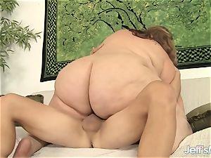large bbw Erin Green deep throats and rails