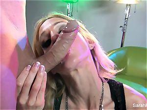 blondie mummy Sarah demonstrates off her dicksucking abilities