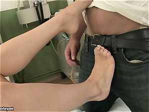 Michelle humid rubbin' a firm dick with her feet