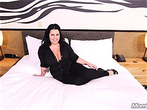 massive titties unexperienced cougar bbw loves banging