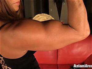 japanese model pumps her muff till its huge and massive