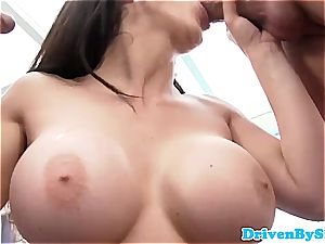 Rich stunner Aletta Ocean exposes her boobs to 2 Paparazzi