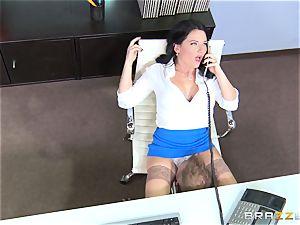 dirty office dame Casey Cumz pummels on her desk